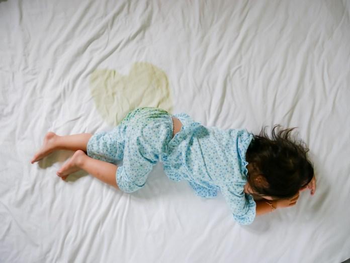 أسباب التبول اللاإرادي عند الأطفال وطرق العلاج
