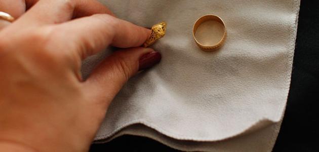 تلميع الذهب بالكربونات