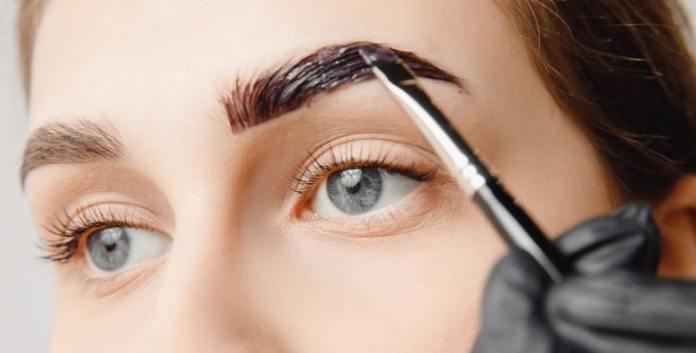 كيفية علاج الشعر الأبيض في الحواجب