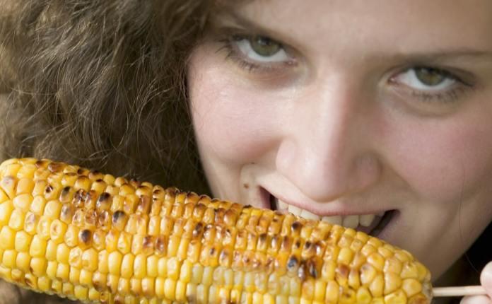 هل الذرة المشوي يزيد الوزن ؟
