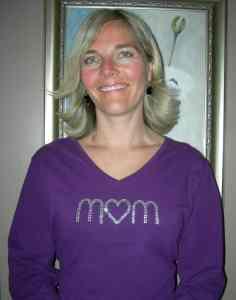 mom_rhinestone_shirt_caroline