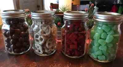Last Minute Mason Jar Gifts by April Wilson for #LoveYourLifeFriday at karenehman.com.