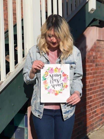 Springtime Flower Painting tutorial by Emma Heikkinen for #LoveYourLifeFriday at karenehman.com.