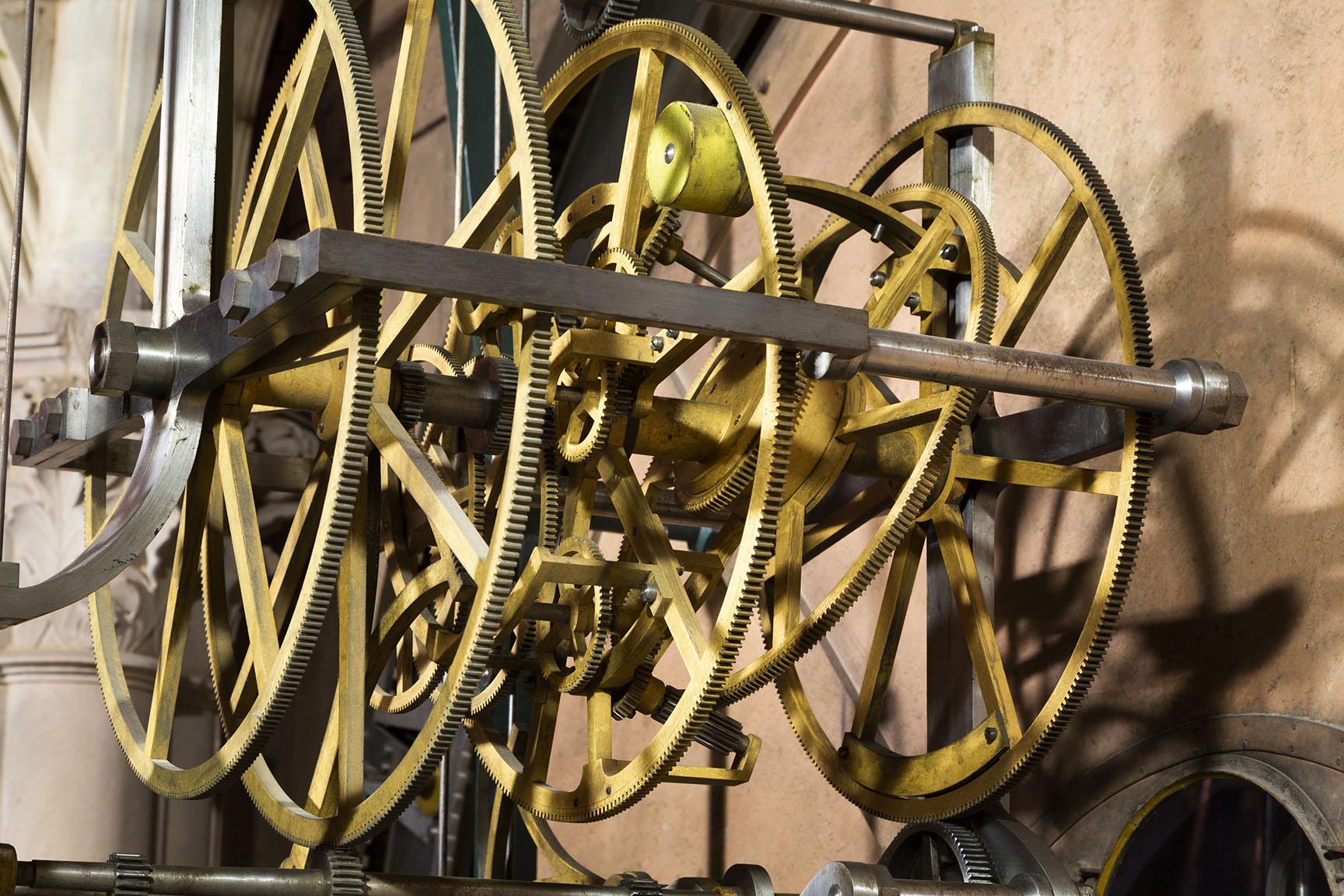 Horloge astronomique roue inclinée