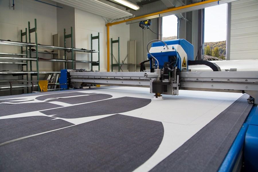 robot de découpe tissu