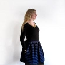 Zwart/blauw gestreept rimpelrokje