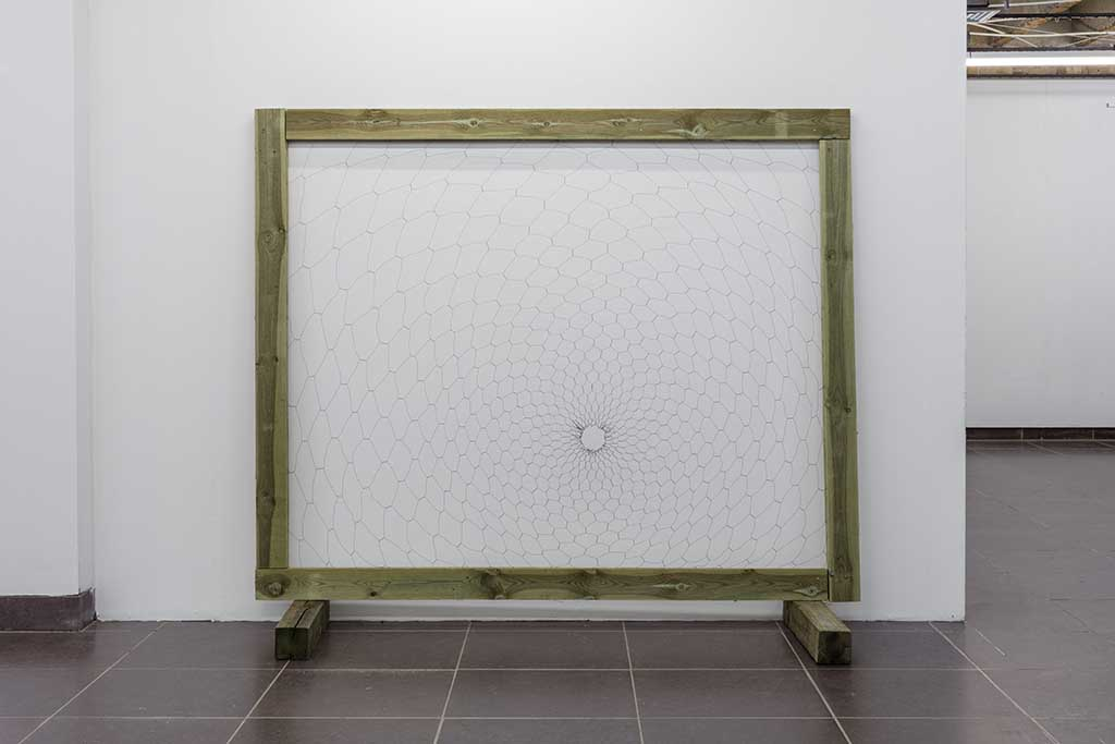 Chicken Wire / Zero Knotted Wire, Larch Wood Frame 160 X 190 M Photo: Anders Sune Berg Courtesy Kunstmuseet Brundlund Slot