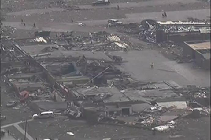 Violent Tornado Touches Down Near Oklahoma City_-8629618793565765466