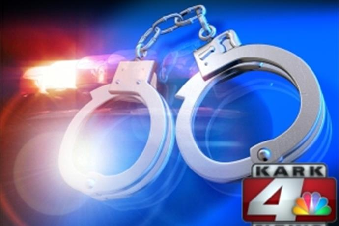 Shoplifting Call In Benton Leads To Felony Arrest_3173064776760838572