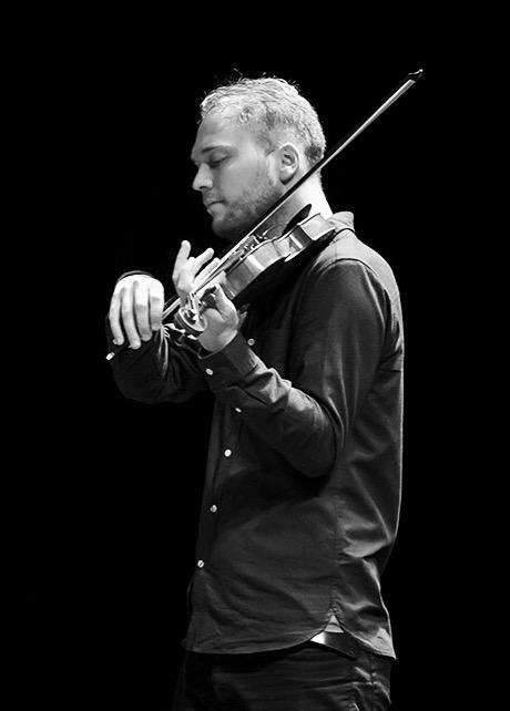 Orquesta del Centenario at the stage of Cosmopolite. The concert took place on 09. September 2016 in Oslo. Orquesta del Centenario is a young international tango ensamble from Buenos Aires.   Lineup: Shirlene Oliveira (vocal) Karl Espegard (violin) Gaspar Pouye (bandoneon) Jean Pouye (guitar) Benjamin Groisman (double bass)  Guests: Torbjørn Sandvik (bandoneon) Åsbjørg Ryeng (guitar) Alexander Rybak (violin)
