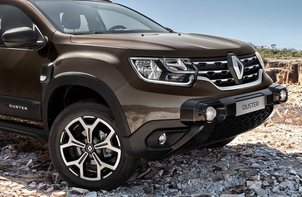 nuevo renault duster vista frontal parrilla faros led guardafangos angulo de ataque