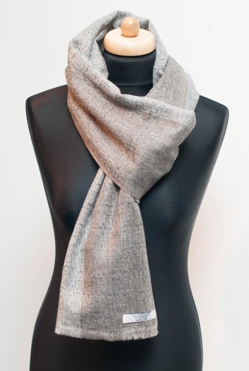 1100 % Cashmere Wool Shawl