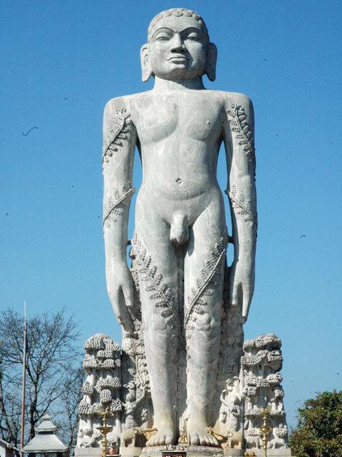 Bahubali, Dharmasthala. Image source templesofsouthindia.wordpress.com