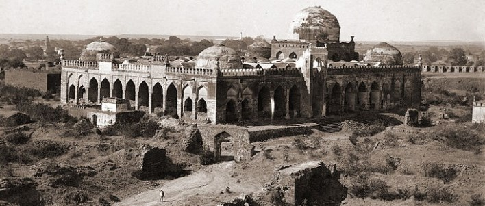 Jami Masjid in Gulbarga Fort. Photographer, Gulbarga