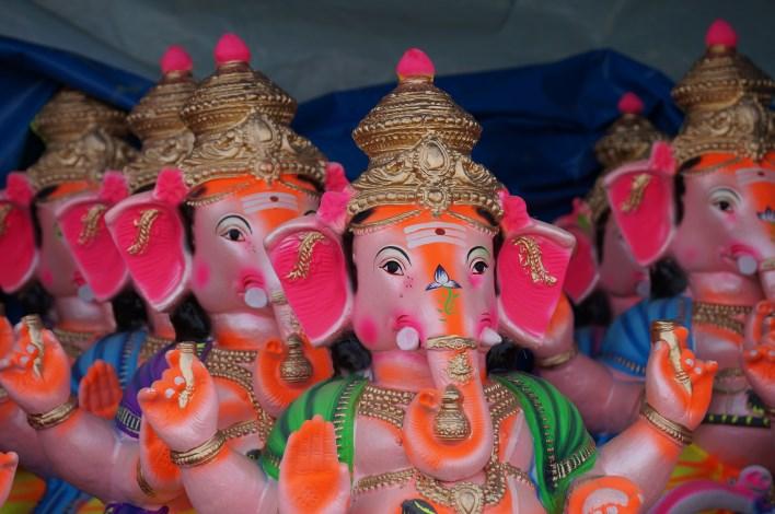 Ganesha idols in Yediyur market, Bangalore