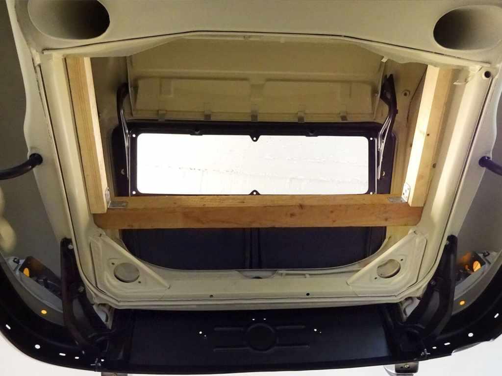 Karosserie-Restauration Porsche 911 Targa S (1963), Heck von unten