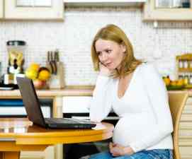Expectant Moms Turn To Doctor Google