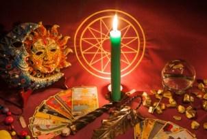 Svíčka, karty