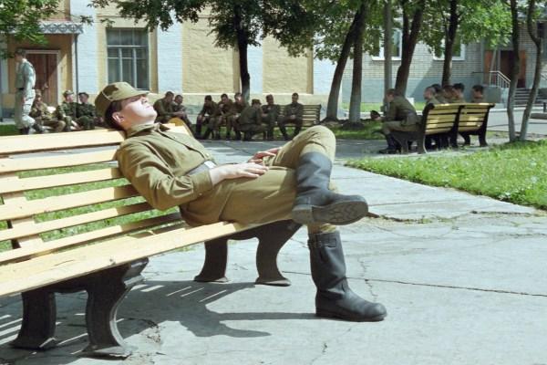 Картинка Солдат спит - служба идет » Солдаты » Военные ...