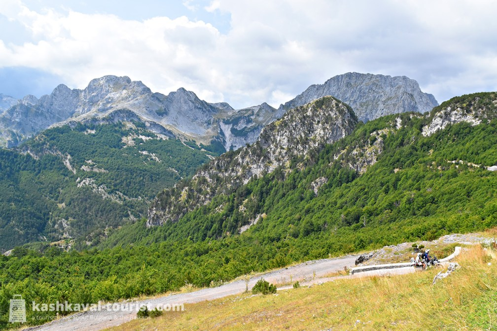 Mountain madness: drive the insane Qafa e Thorës pass