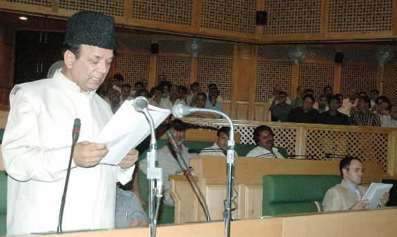 Finance minister Abdul Rahim Rather presenting 2009-10 budget in state assembly.