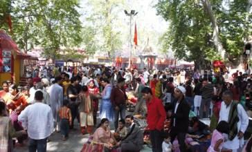 Kashmiri-Pandits-at-Kherbhawani-Tulumullah