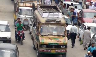 Old-Tata-Mini-Bus-in-Srinagar