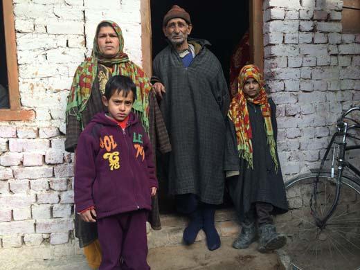 Family-of-Sajad-Ahmad-Darzi