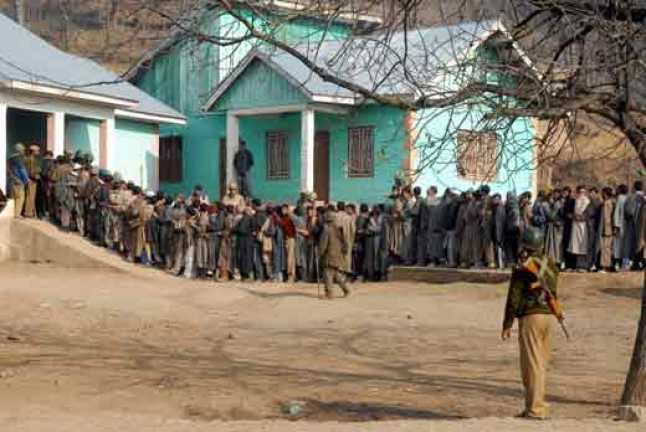 People-in---queue-outside-a-polling-booth-to-cast-their-vote-in-Ganderbal