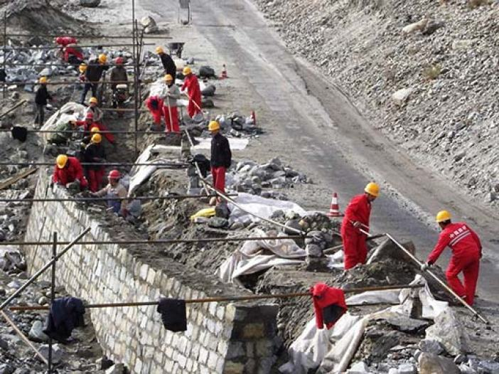Chinese working on the Karokaran Highway in Gilgit Baltisatn