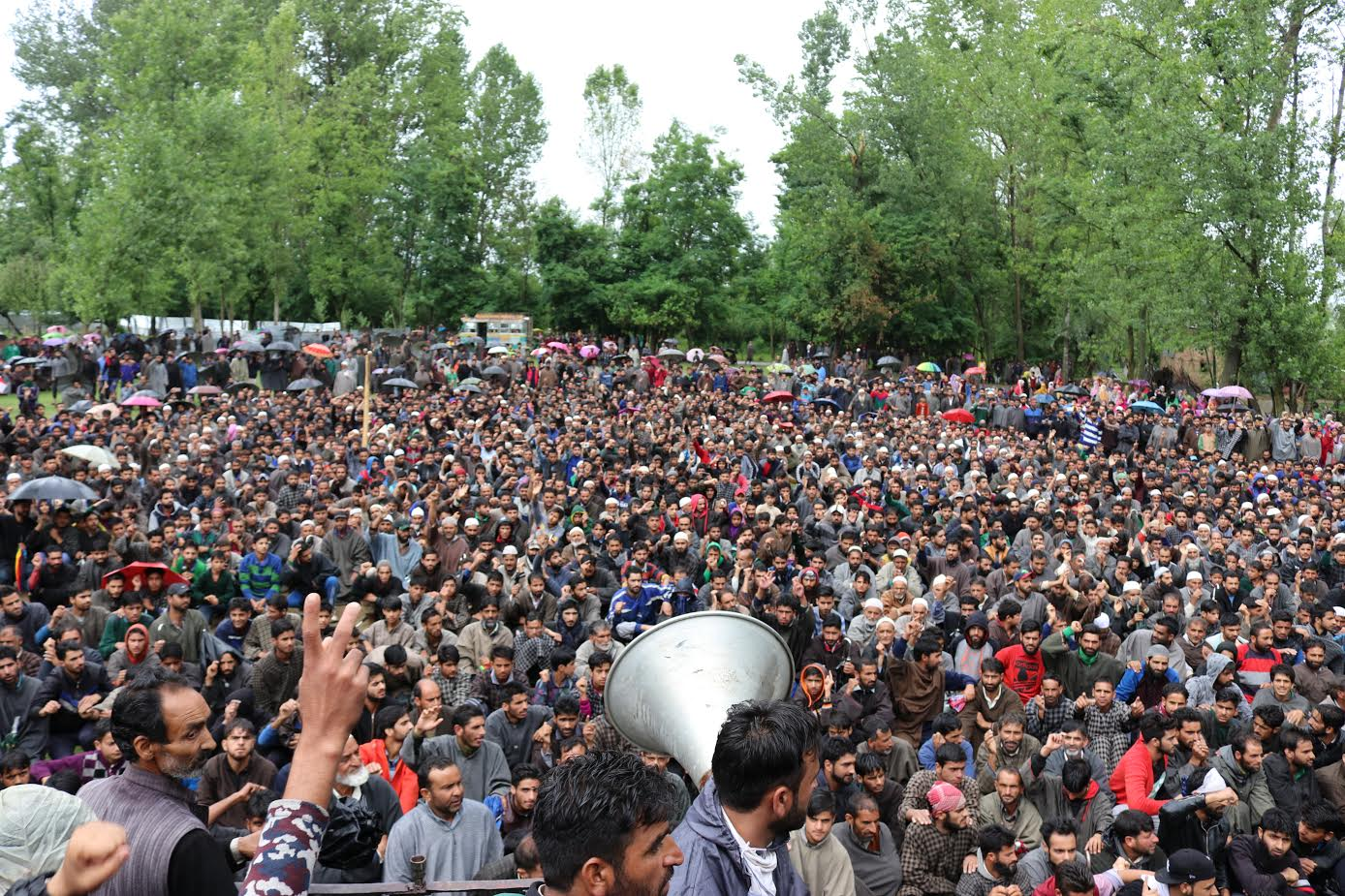 Image result for Thousands Participate in Martyrs' Funerals in Sopore, Pattan