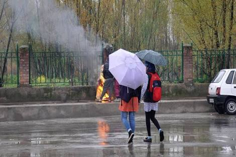 Metrological Department Predicts Rainfall Till 15th May In Kashmir