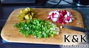 przygotowanie sałatki na grilla