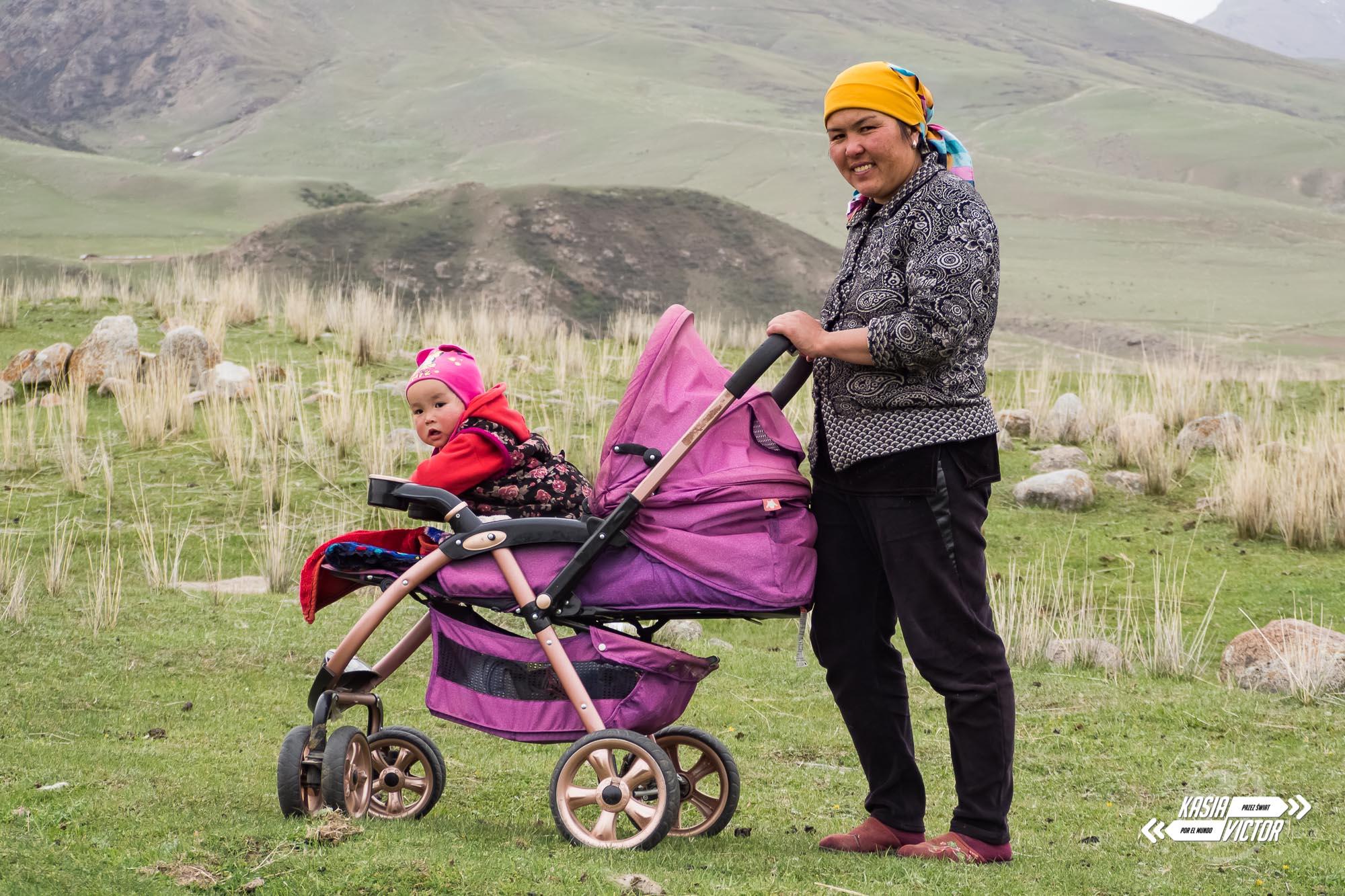 Kobieta W Kirgistanie