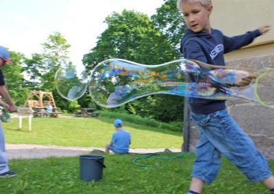 Käsityökoulu Robotin kesäleiri Lasten kulttuurikeskus Pikku Aurorassa