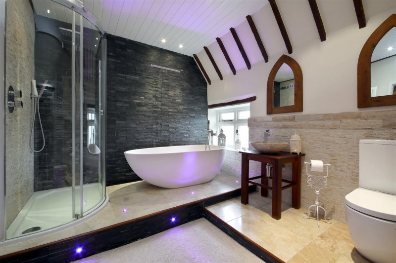 Top 10 Beautiful Bathrooms From Around The World