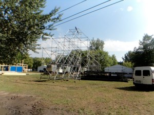 music festival stage building sziget festival