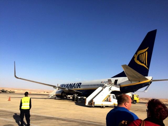 ryanair ovda airport vda landing plane boeing israel