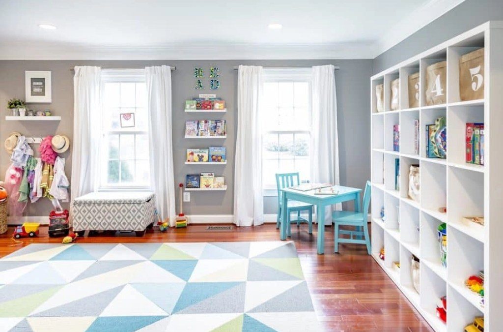 4 Tips to Declutter the Kids Playroom (and Save Your Sanity) Before the Holidays