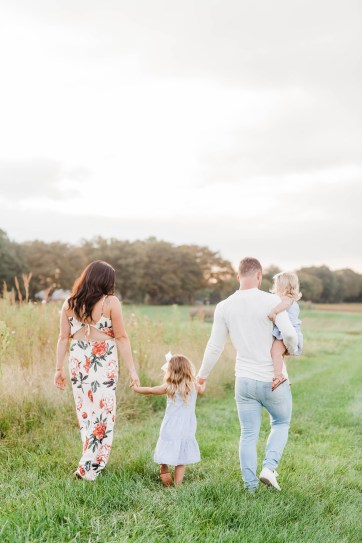 family photos, sunset, golden hour, central pa family photographer, family photography, childrens photographer