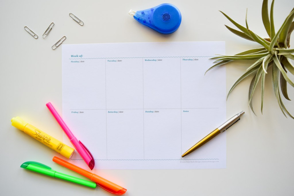 photo of blank weekly planner spread
