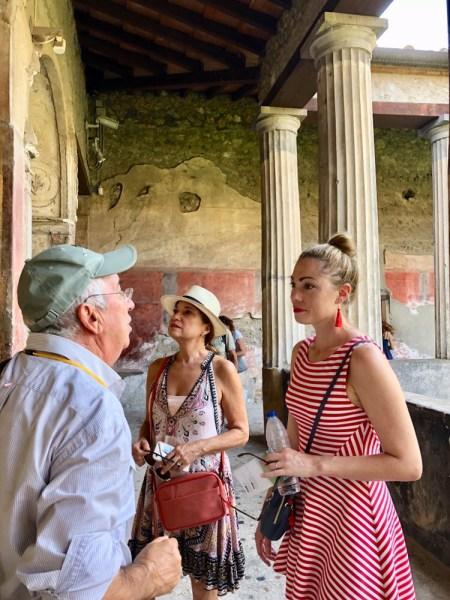tour guide pompeii