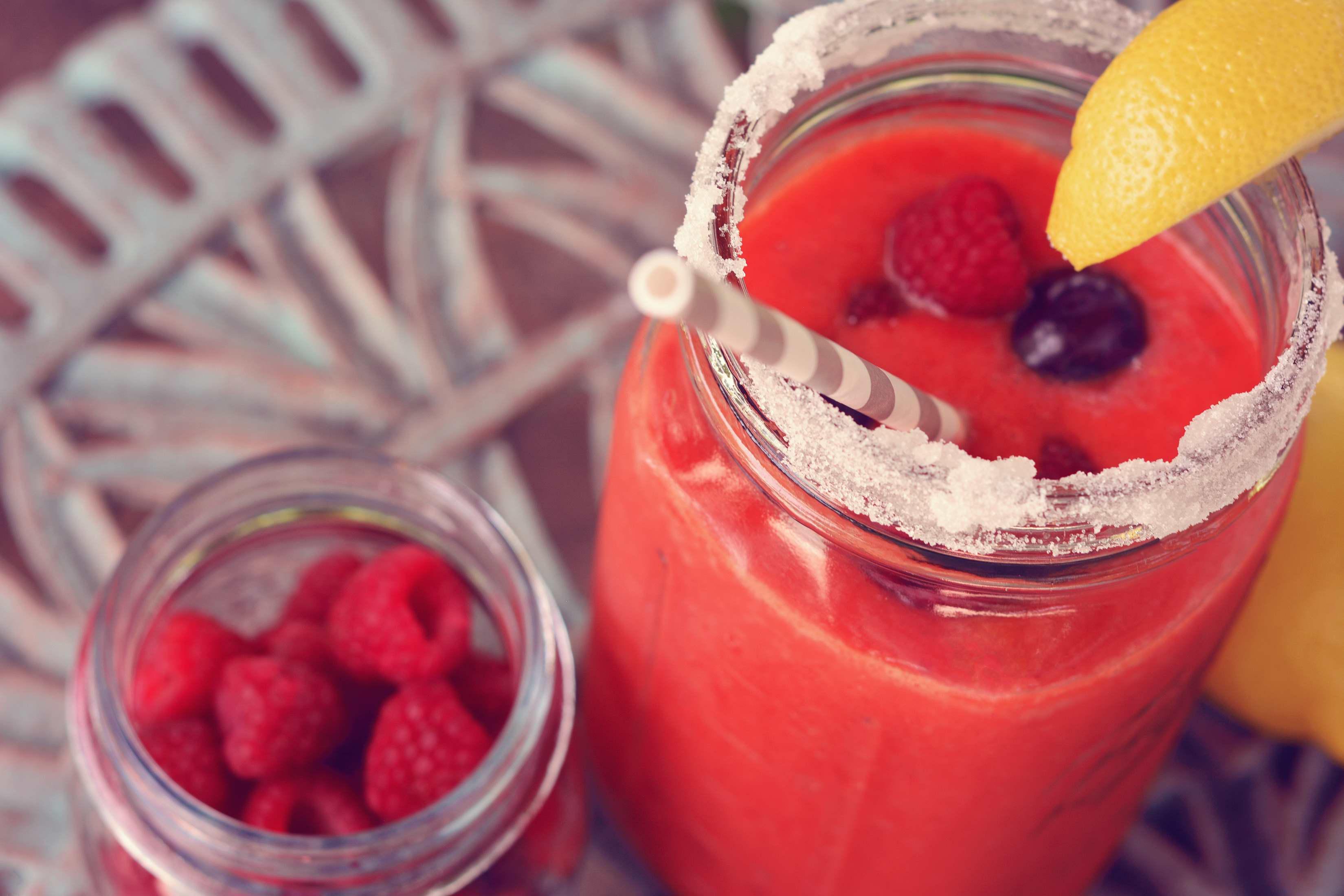 – 10 b nutriblend smoothie raspberry lemon strawberry fitness drink food photographer miami south florida photography fruit_01