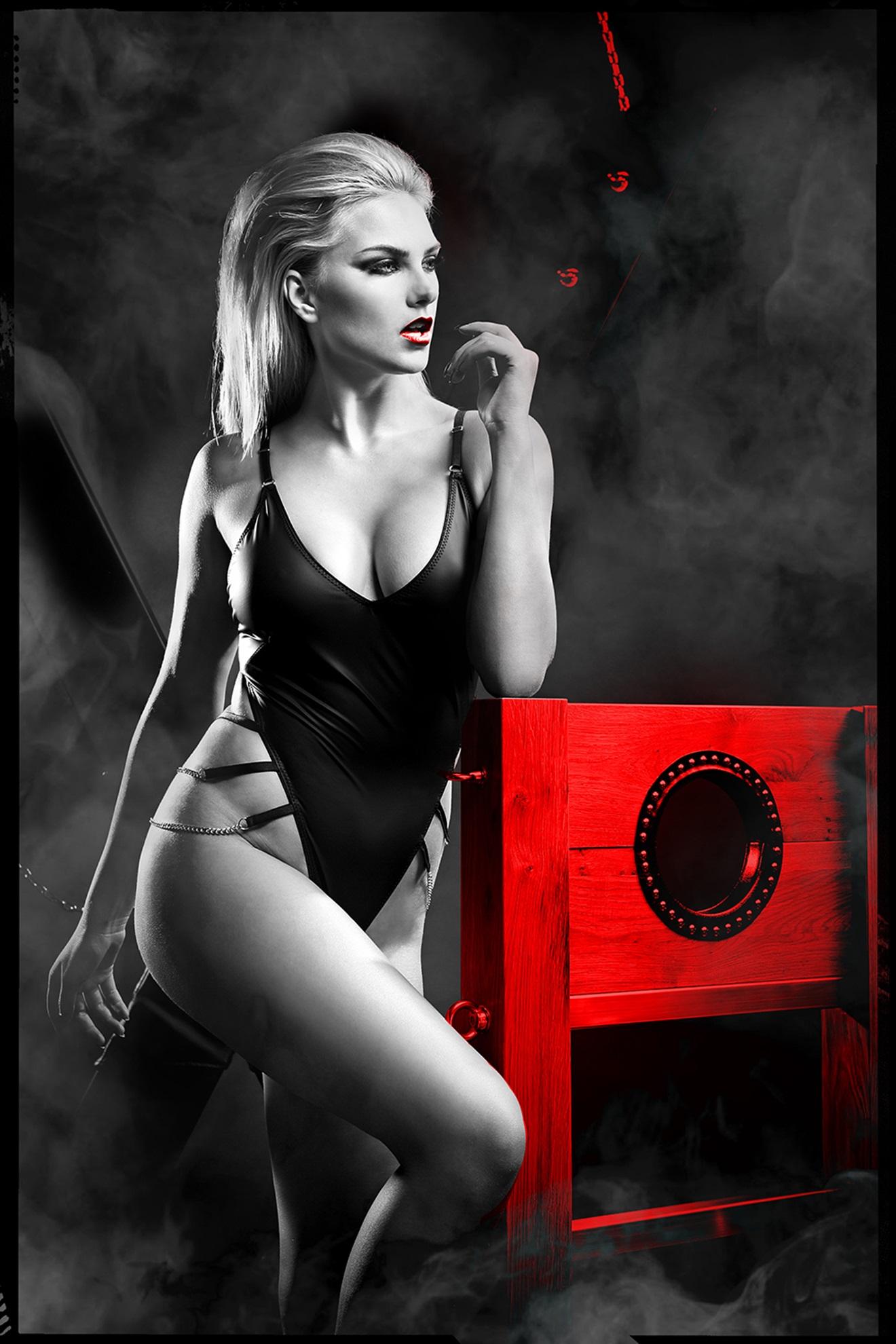 DDKery001 schwarzer Ketten-Body von Demoniq Dark Desire Collection