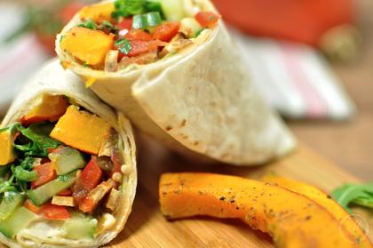 Gesunde Jause: Kürbis-Wrap mit Hummus