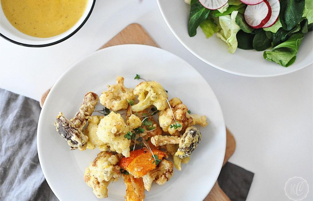 Gebackenes Gemüse mit Cashew-Kurkuma-Dip