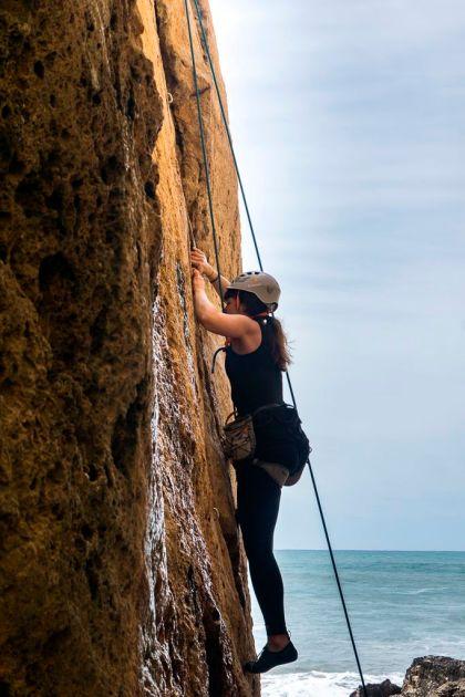 Karma Surf- und Yogaretreat Klettern