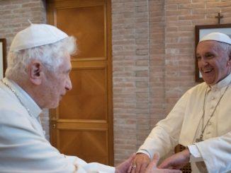 Franziskus und Benedikt XVI