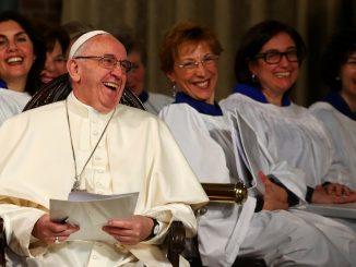 Papst Franvziskus beim Besuch der anglikanische Kirche in Rom