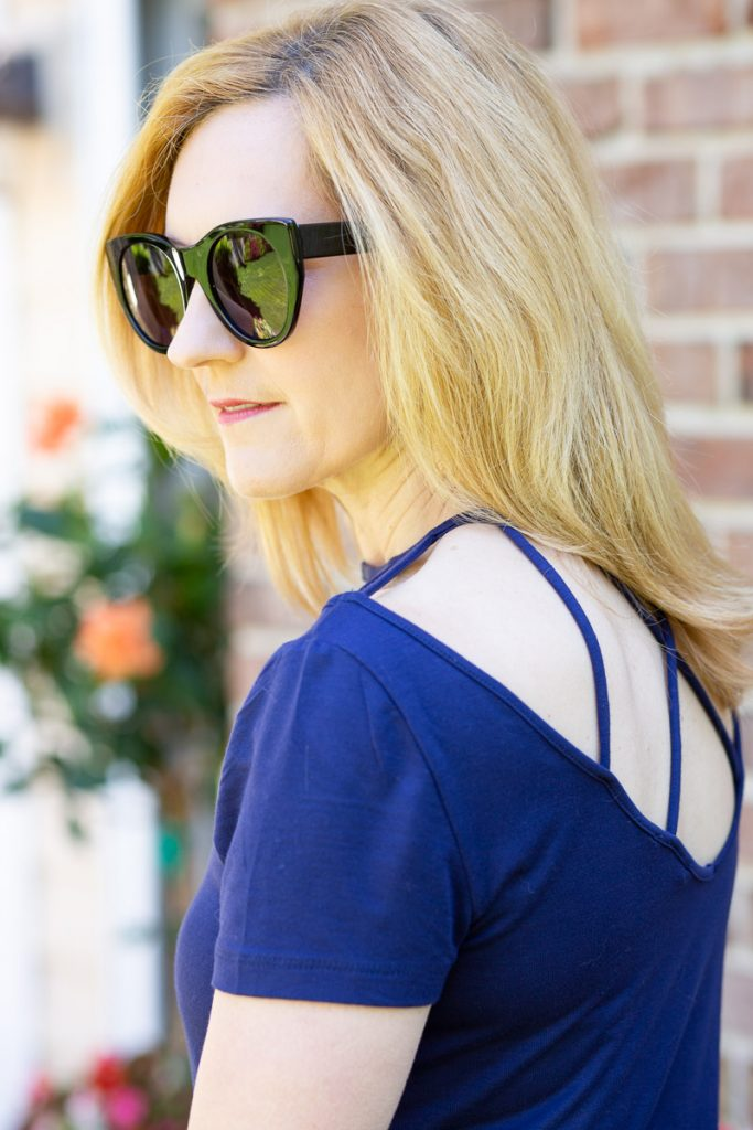 Back detail on navy top from Venus.